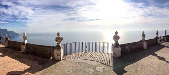 Infinity terrace foto di giardini di villa cimbrone ravello tripadvisor - Giardini di villa cimbrone ...