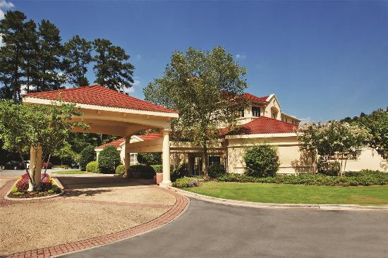 La Quinta Inn & Suites Birmingham Hoover: exterior
