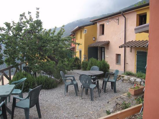 Il Borgo di Campi : Lower level chalets