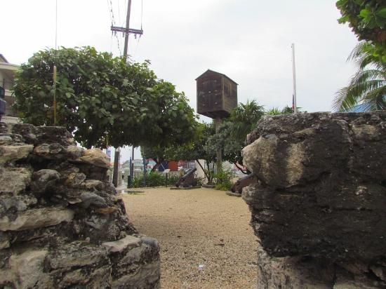 George Town, Grand Cayman: Fort George