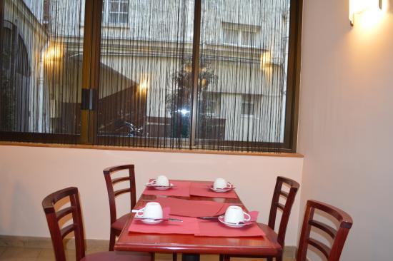 Hotel Eugenie: La salle à manger cosy.