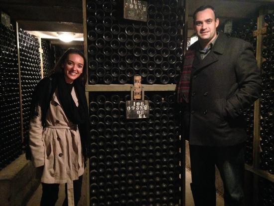 Burgundy on a Plate : Having a great time at the winery!