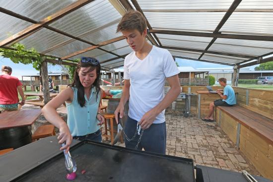 Nulkaba, Australia: BBQ area
