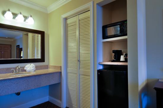 Whittier, CA: Bathroom Counter & Closet
