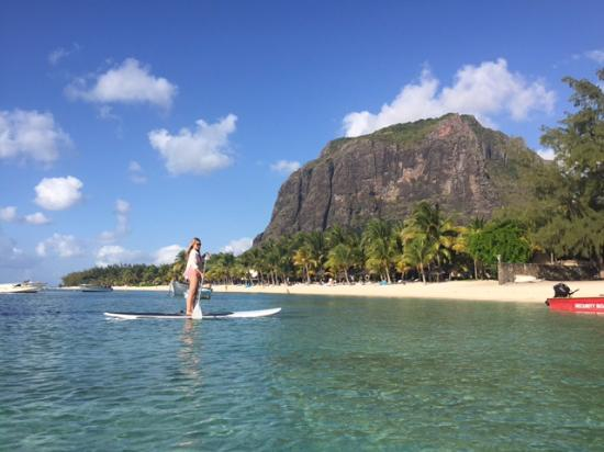 The St. Regis Mauritius Resort : Stand up paddling with the view