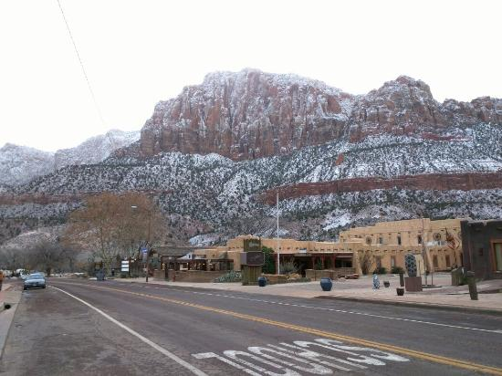 Zion Canyon Scenic Drive: IMG_20151224_101516_large.jpg