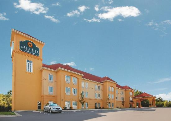 La Quinta Inn & Suites Huntsville Airport Madison: Exterior view