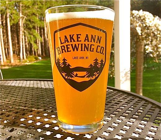 Lake Ann, MI : Signature Pint