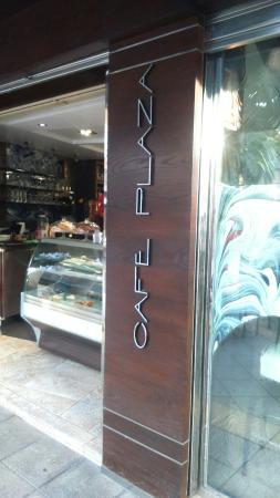 cafe plaza