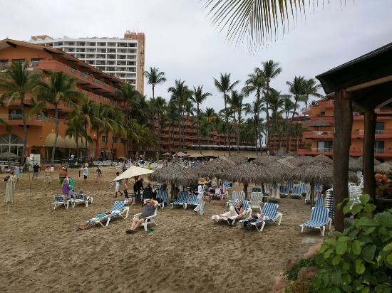 Villa del Palmar Beach Resort & Spa: hotel from the beach