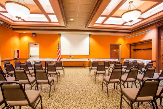 Lewis & Clark Ball Rooms for Meetings & Functions & Banquet in Kansas City & Independence Area