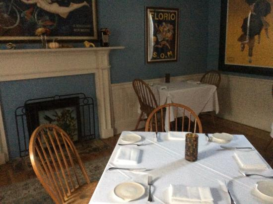 Paris, VA: One of three dining areas