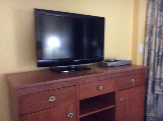 Ocean Sands Resort: Main bedroom Flat TV.