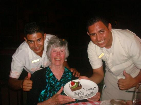 Villa del Palmar Beach Resort & Spa: Birthday Dessert