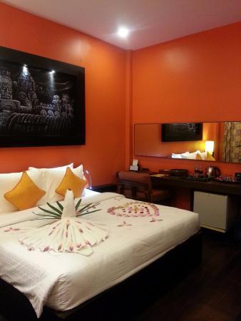 Golden Temple Hotel: Poolside Room