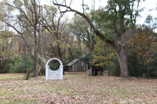 Natchez, MS: Grounds