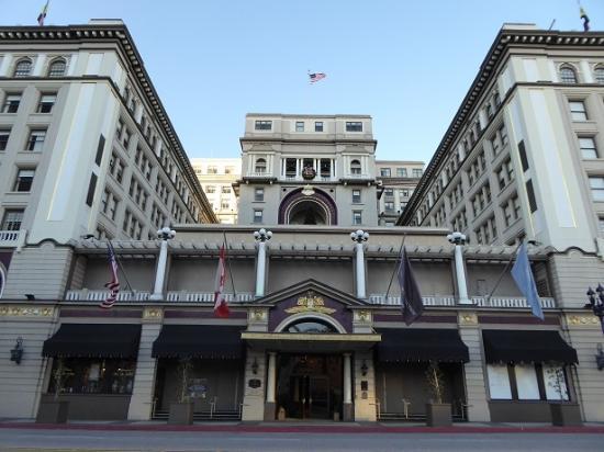 The US Grant: ホテル正面