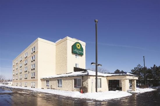 Radiance Inn And Suites: Exterior view