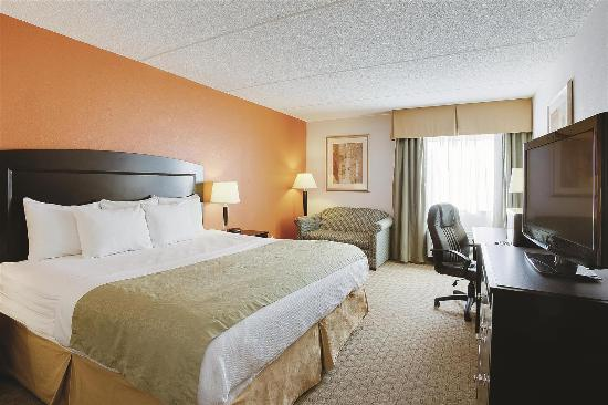 Radiance Inn And Suites: Guest room