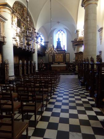 how to get to kronborg castle from copenhagen