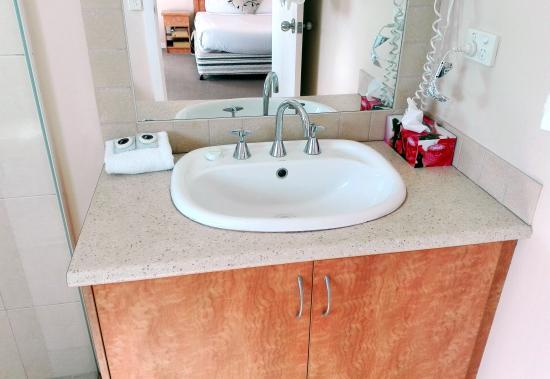 Glen Inn: Bathroom