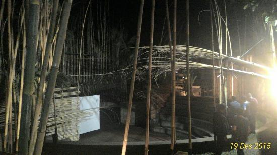 Kopi Selasar (Selasar Sunaryo Art Space): P_20151219_200618_1_p_large.jpg