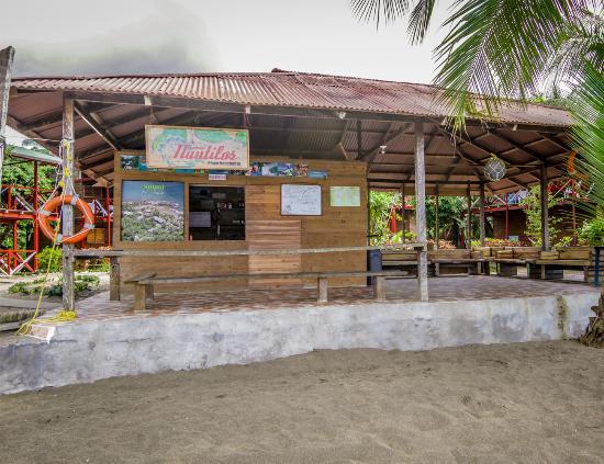 Ecolodge Nautilos: Nuestro kiosko de playa