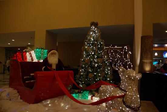 omni cancun resort villas hotel lobby christmas decoration