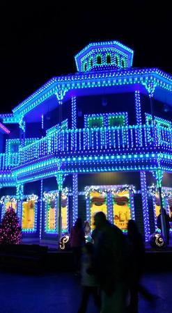 A beautifully decorated building at