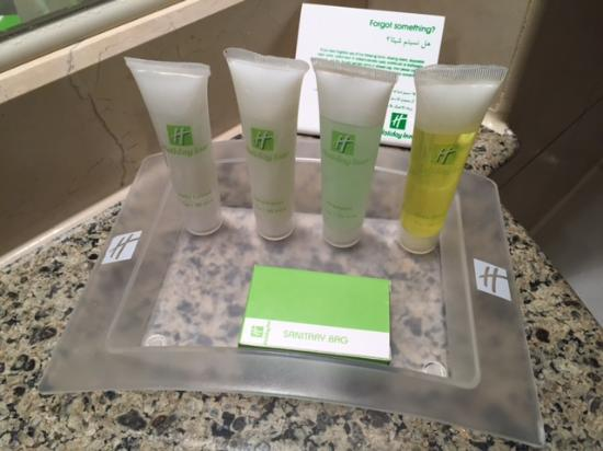 Holiday Inn - Citystars: Bathroom amenities