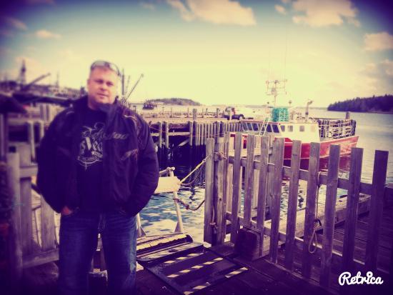 Rum Runner Inn: Visiting the wharf