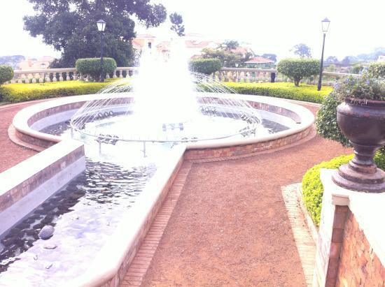 Lake Victoria Serena Golf Resort & Spa: Water fountain