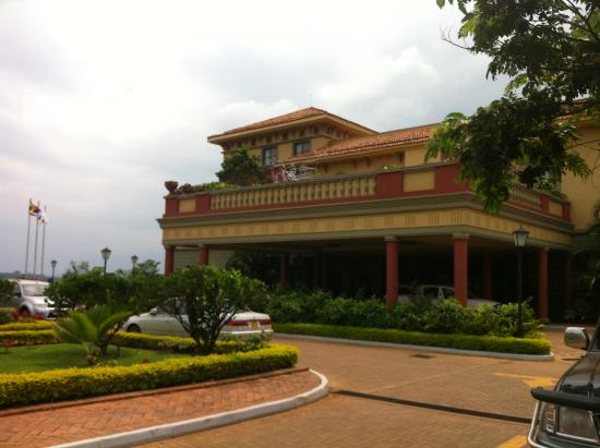 Lake Victoria Serena Golf Resort & Spa: Frontside