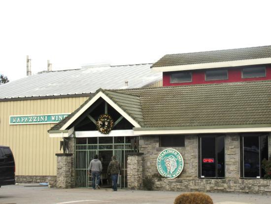 Rapazzini Winery, Monterey Road, Gilroy, Ca