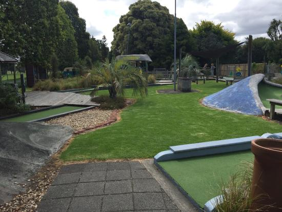 ‪Gisborne i-SITE Mini Golf‬