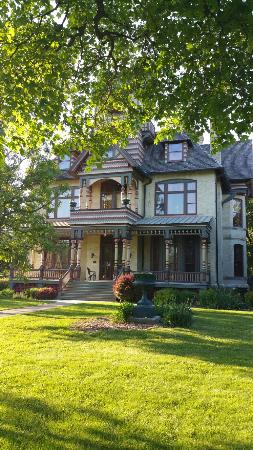 Delavan, WI: Beautiful, one of a kind and lovely