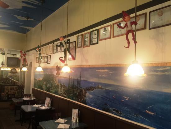 Acropolis restaurant mediterranean restaurant 416 n for Acropolis cuisine