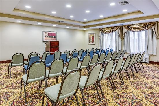 La Quinta Inn & Suites Canton: Meeting room