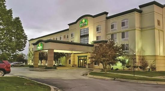 ‪La Quinta Inn & Suites Omaha Airport Downtown‬