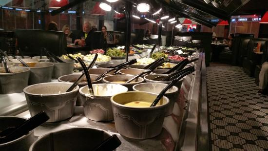 Salad Bar at Ruby Tuesday Crossgates Mall