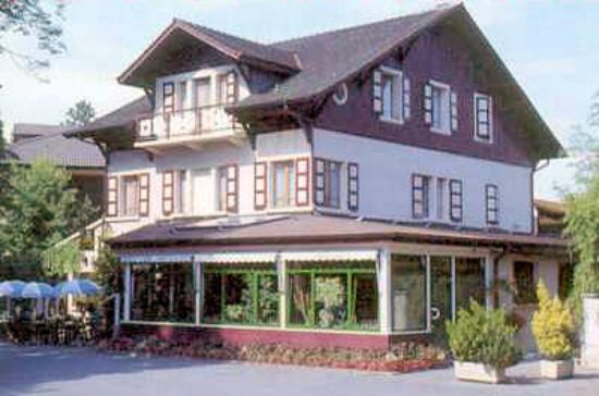 A L'Ombre Des Marronniers: hotel Marronniers
