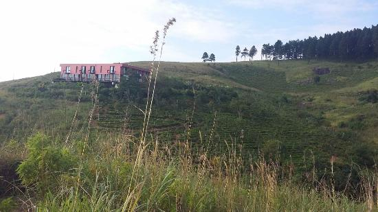 Deltota, Sri Lanka: View of the hotel from hiking trail