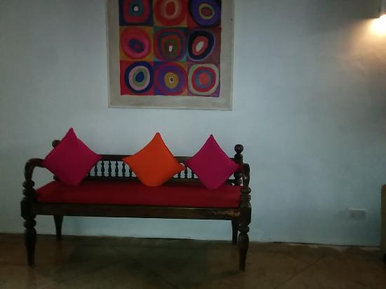 Galle Heritage Villa by Jetwing: Colourful decor