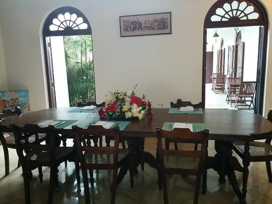 Galle Heritage Villa by Jetwing: The dining table