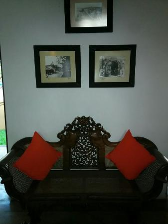 Galle Heritage Villa by Jetwing: More antique furniture