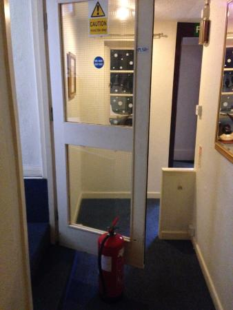 The Swan at Stoford Fire Door Propped Open & Fire Door Propped Open - Picture of The Swan at Stoford Stoford ...