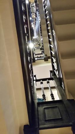 Hotel Wales: Staircase