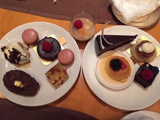 Harbour Side Restaurant: Desserts