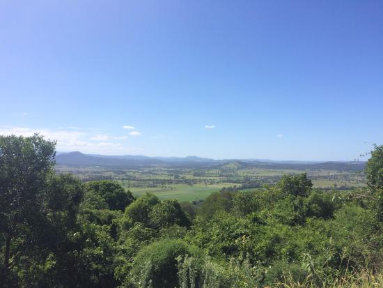 The Bunyip Scenic Rim Resort: Spectacular view when the day is fine