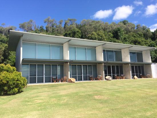 The Bunyip Scenic Rim Resort: Rooms from the outside